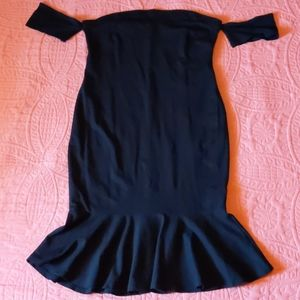 Forever 21 Black Wiggle Trumpet Style Dress